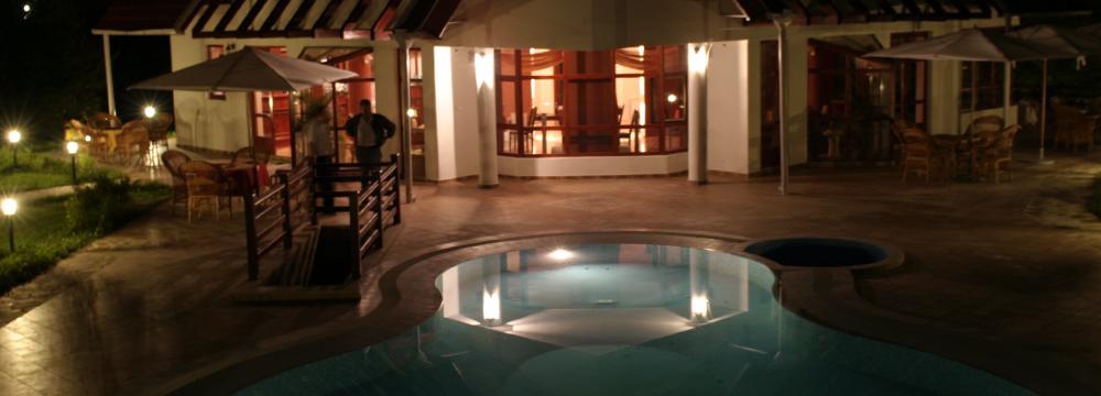 pensiune faget cluj piscina nocturna
